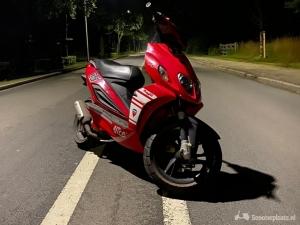 Malaguti Phantom lc F12 Ducati edition